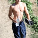 zac-efron-shirtless-photo