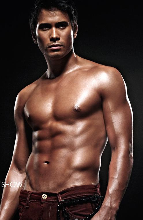 has been declared Chuva Chienes' Hottest Summer Pinoy Hunk for 2009