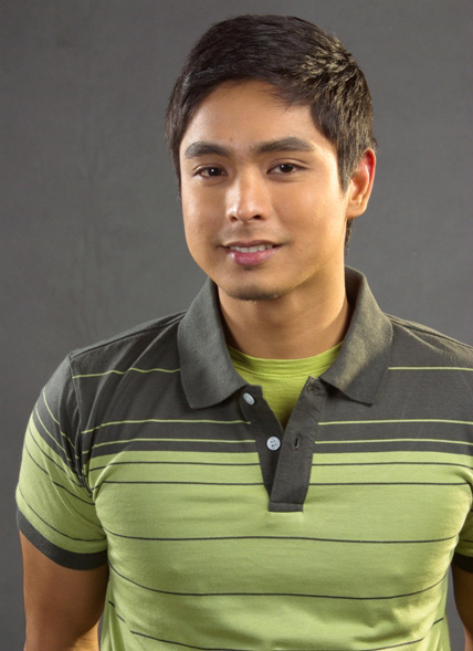 Coco Martin Scandal http://chuvachienes.com/2009/11/12/coco-martin-on-his-first-product-endorsement/