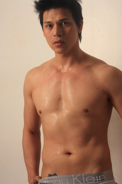 naked pinoy actor http://chuvachienes.com/2011/05/06/indie-film-actor ...